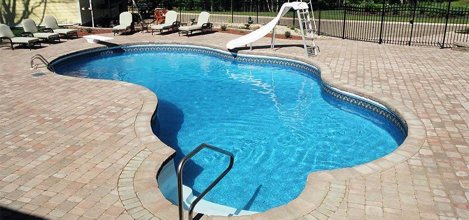 Shaped pool